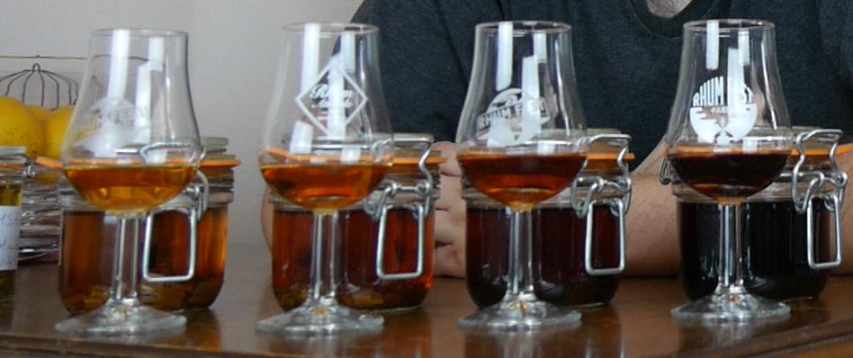 https://rhum-et-whisky.fr/wp-content/uploads/2019/09/couleur.jpg